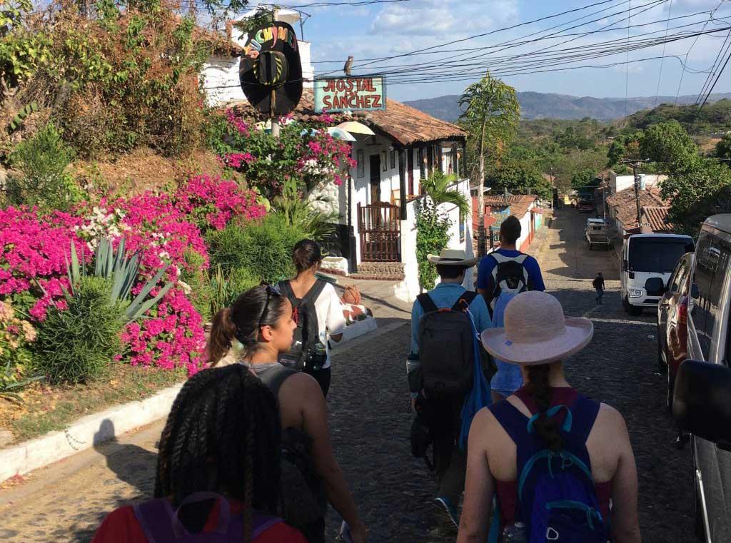 Introduction to the history of El Salvador - CoCoDA